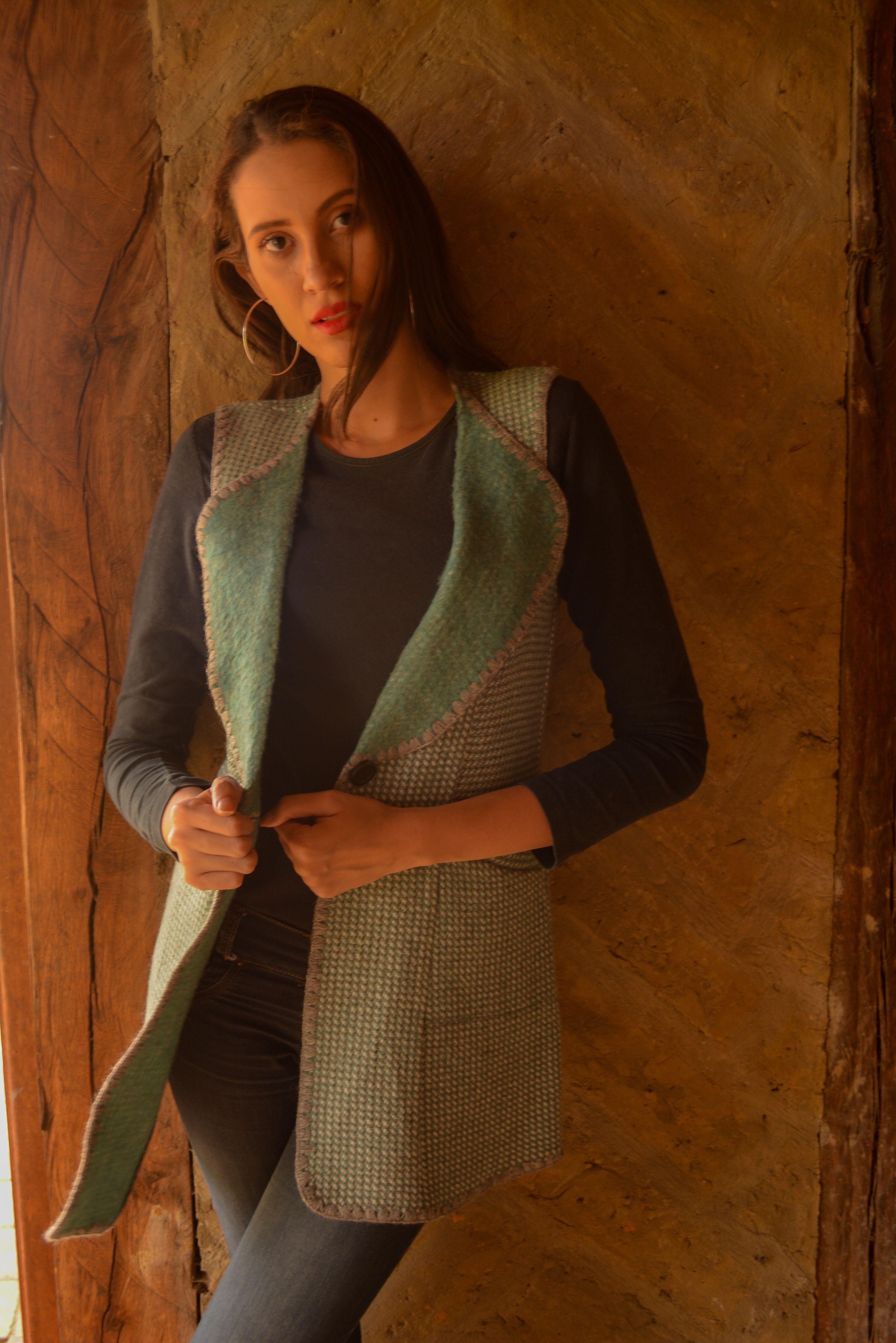 leco en lana tono turquesa