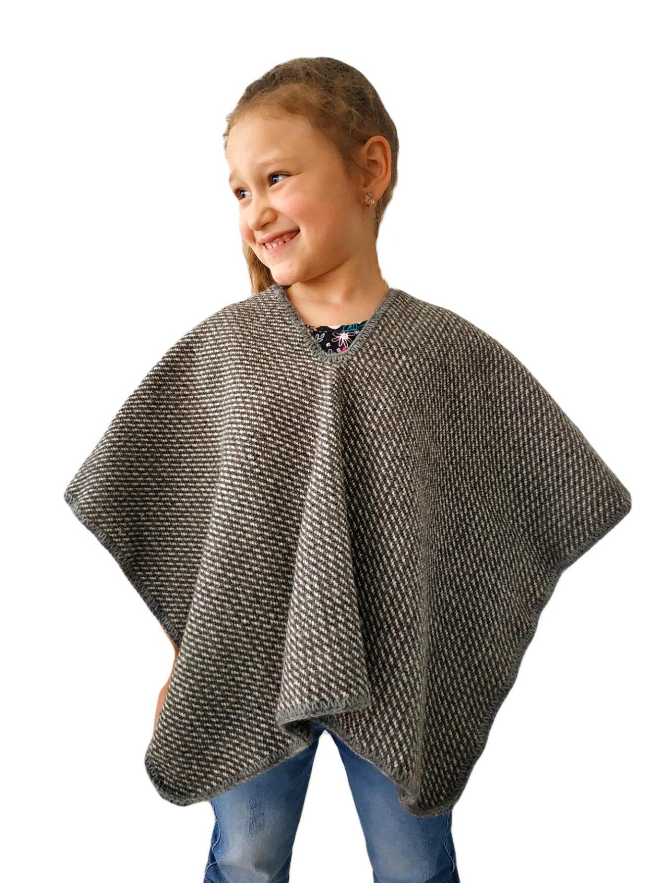 Ruana tradicional de lana gris para niños