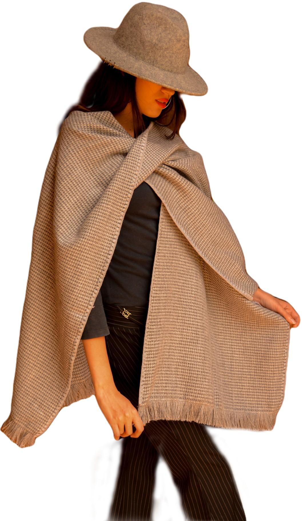 Capa alpaca mujer color gris